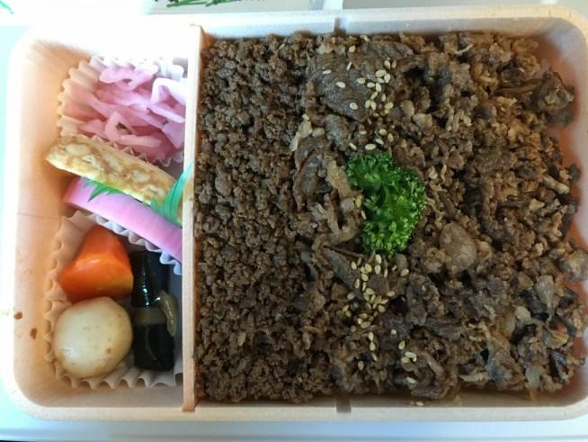 お弁当牛肉どまん中 (12)