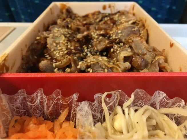 牛カルビ焼肉弁当 (5)