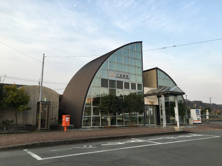 JR二見駅から神社へ (5)