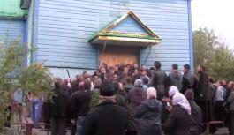 Украина: продолжаются нападения на верующих УПЦ