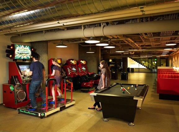 Desain Kantor Paling Keren di Dunia - Desain kantor keren - Zynga 04