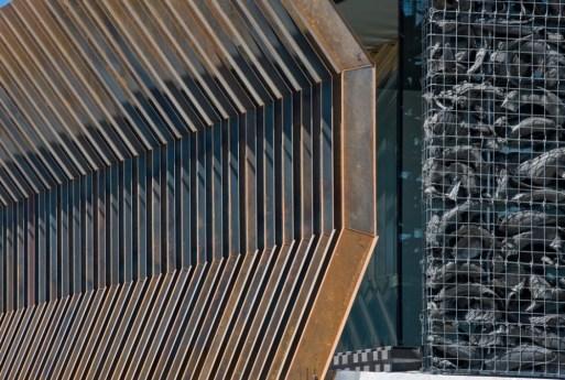 Konstruksi Menawan Baja Corten dengan Detail yang Sempurna