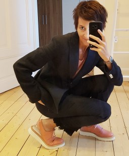 Anzug Max Mara Weekend, Schuhe Strenesse
