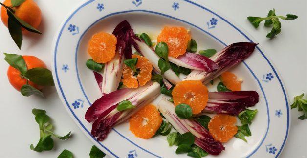 Salade van roodlof en clementine