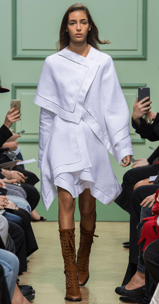J.W. ANDERSON The soft and romantic vibes are evident throughout the collection, especially in the linen placement dress which had been sewn into architectural layers.