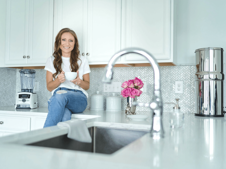 Functional medicine dietitian practicing gut healthy morning routine