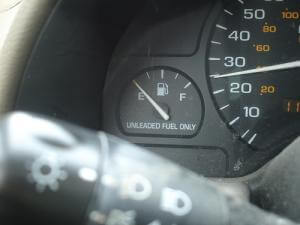 7 secret ways to save gas / fuel when driving a car