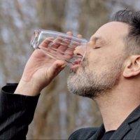 Can Manay niye sürekli su içiyor?