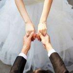 «اوهمها أنه مديون» .. رجل يقترض من زوجته المال للزواج بامرأة ثانية