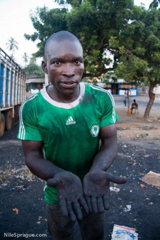 Mussan Atsara, LomŽ, Togo. Photo © Nile Sprague