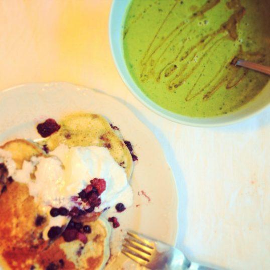 Ärtsoppa och pannkakor : glutenfritt, mjölkfritt, veganskt, nyttigt och låg mängd kolhydrater