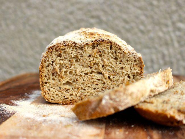 Glutenfri surdegslimpa med teff