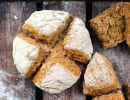 Glutenfritt sodabröd med solrosfrön och teff (utan jäsning)