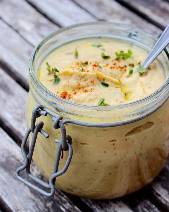 Hummus med citrontimjan och rökt paprika