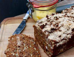 Glutenfri fullkornslimpa av dansk rågbrödstyp