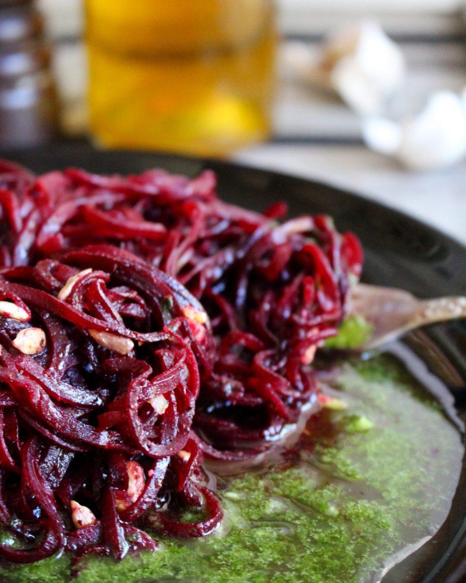 red beets aglio e olio