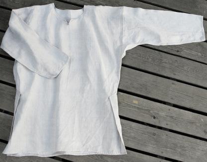 Linen shirt with Viborg splitts. Linskjorte med Viborgsplitt