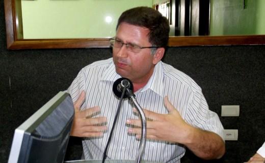 Adelmo Moura esta manhã nos estúdios da Rádio Pajeú