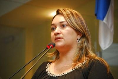 Vereadora Aline Mariano emite nota de repugnância contra atitude ...