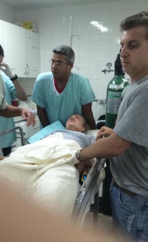 Foto da apresentadora com o rosto machucado está circulando nas redes sociais. Foto: Twitter/Reprodução