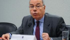 O chanceler Mauro Vieira diz que, com o acordo, o o  Brasil  aumenta sua participação instritucional na  OCDE