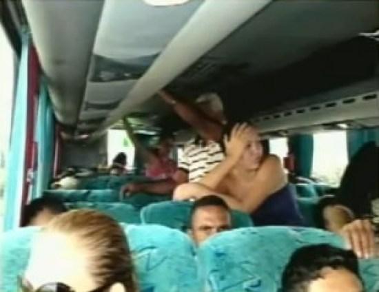 passageiros em pe