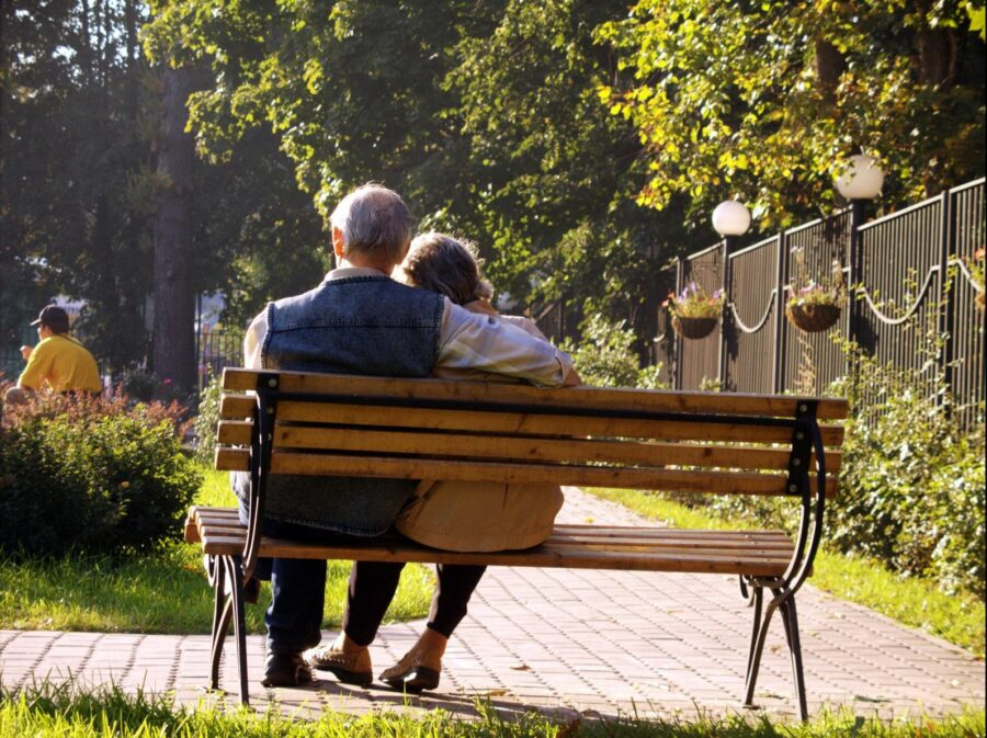 retired-couple-wondering-about-future