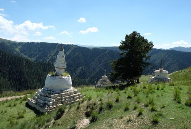 de Repkong à Labrang, stupas de Tashikyil