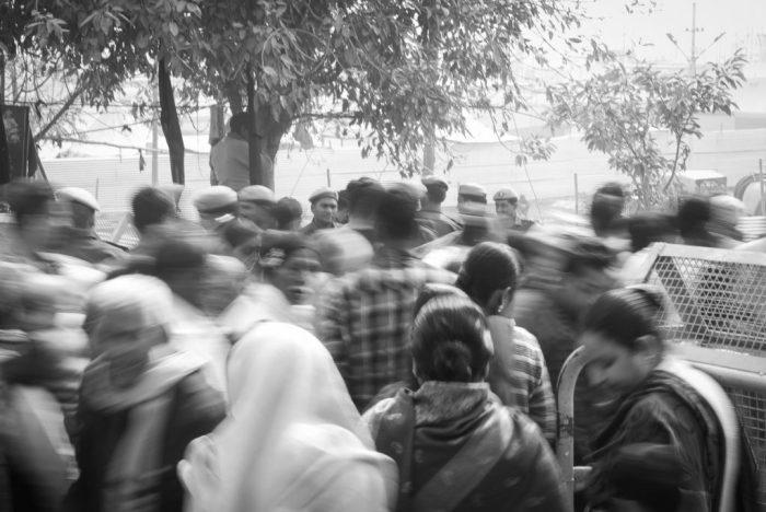 Viele Menschen auf dem Kumbh Mela