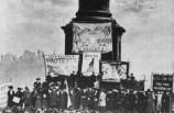 """סופרג'יסטיות מפגינות נגד ניסויים בבעלי חיים - בשנת 1903, חשפו סופרג'יסטיות ניסויים המתרחשים בבית הספר לאנטומיה בלונדון. מהלך זה הוביל למהומות ולקרב 'בין הפמיניזם למאצ'ואיזם' כפי שכונה ע""""י אחת הנשים, שרלוט דספרד."""