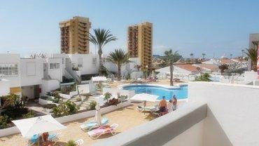 Desireable 1-bedroom apartment in popular complex in Los Cristianos!!