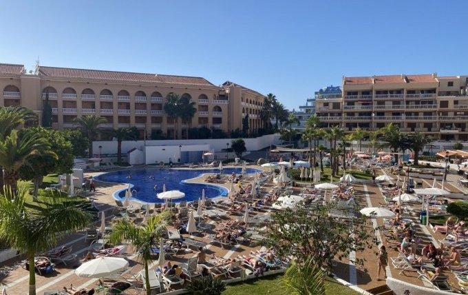Fantastic 1 bedroom apartment in the upscale area of Playa de Las Americas!