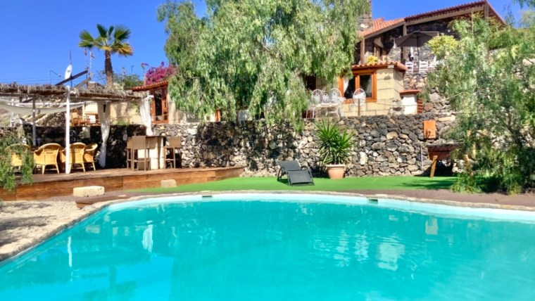 TENERIFFA: South: Great investment: Magnificent Finca close to the sea!