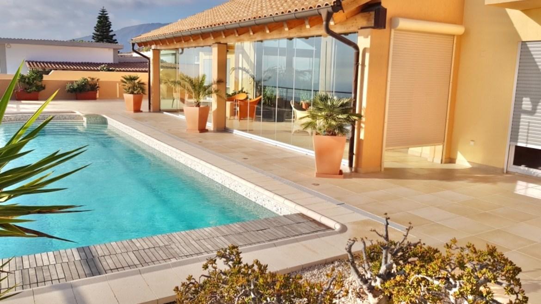 Luxury villa at Roque del Conde (costa Adeje) with fantastic sea view!