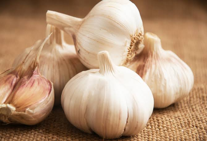 Garlic help to improve sex drive, boost libido and boost sperm production