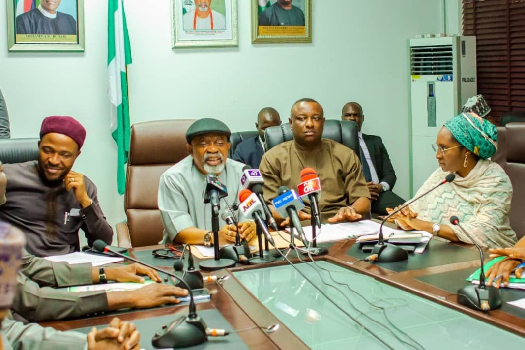FG to extend doctors, nurses retirement age from 60 to 65 - Labour Minister