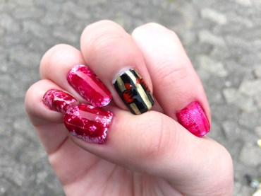 halloween-nails_bloody-prison