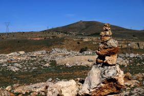 Nimri'nin komşu köylerinden Bayındır yakınlarındaki kulluk ve uzaktan Nimri