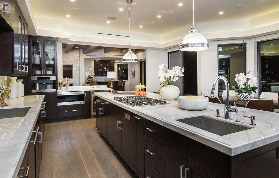 20 Unbelievable Kitchens In Mansions