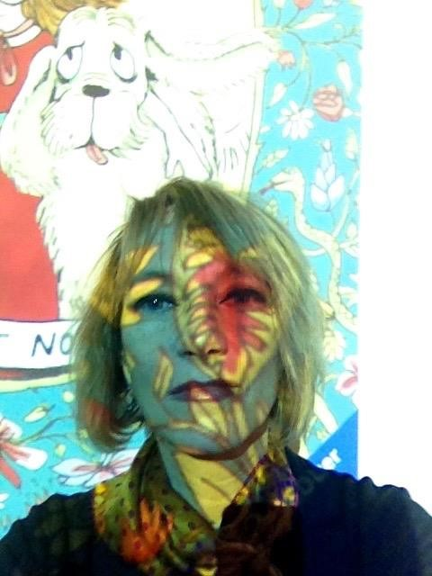 Im Hintergrund Illustration von Bianca Schaalburg: Plötzlich Hexe von Nina Petrick - Ravensburger Verlag