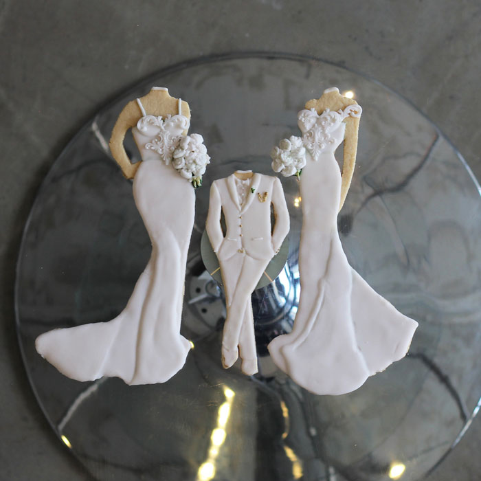 luxury-elegant-wedding-bridal-bridesmaid-and-little-boy-cookies-nina-bakes-cakes-web