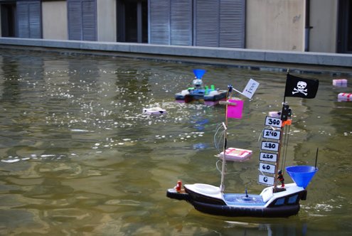 Remote Controlled Pirate Ship Robot sailing in the water