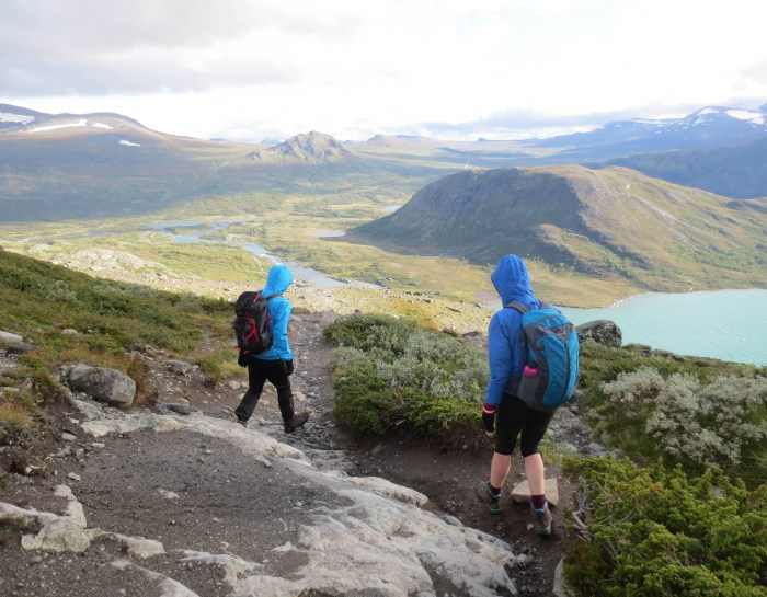 The Besseggen Ridge Hike in Norway: Jotunheimen National Park Guide