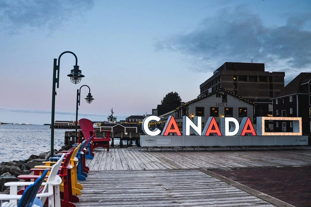 Things to do in Halifax: The Best Restaurants, Bars, & Attractions