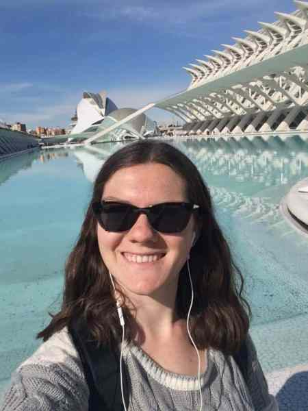 How Podcasts Help My Travel Anxiety - Nina Out and About - Podcasts are one of the best methods for combatting my travel anxiety. Best of all: they're free!