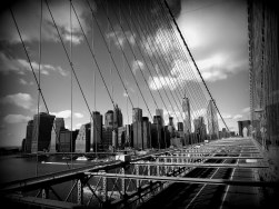Manhattan as seen from Brooklyn Bridge (shot with numb fingers, brr).