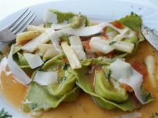 Green tortellini with white asparagus and shaved Parmesan: Piccolo Mondo in Wiesbaden