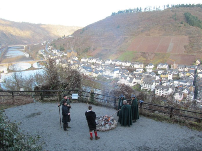 Shepherds gather by the Mosel