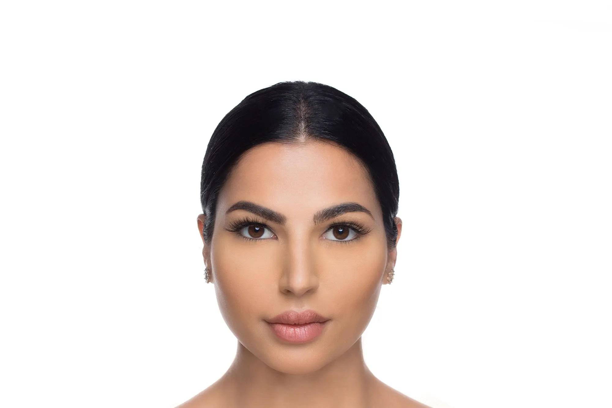 Anya Mink Lashes, close up of ladies face wearing false eyelashes