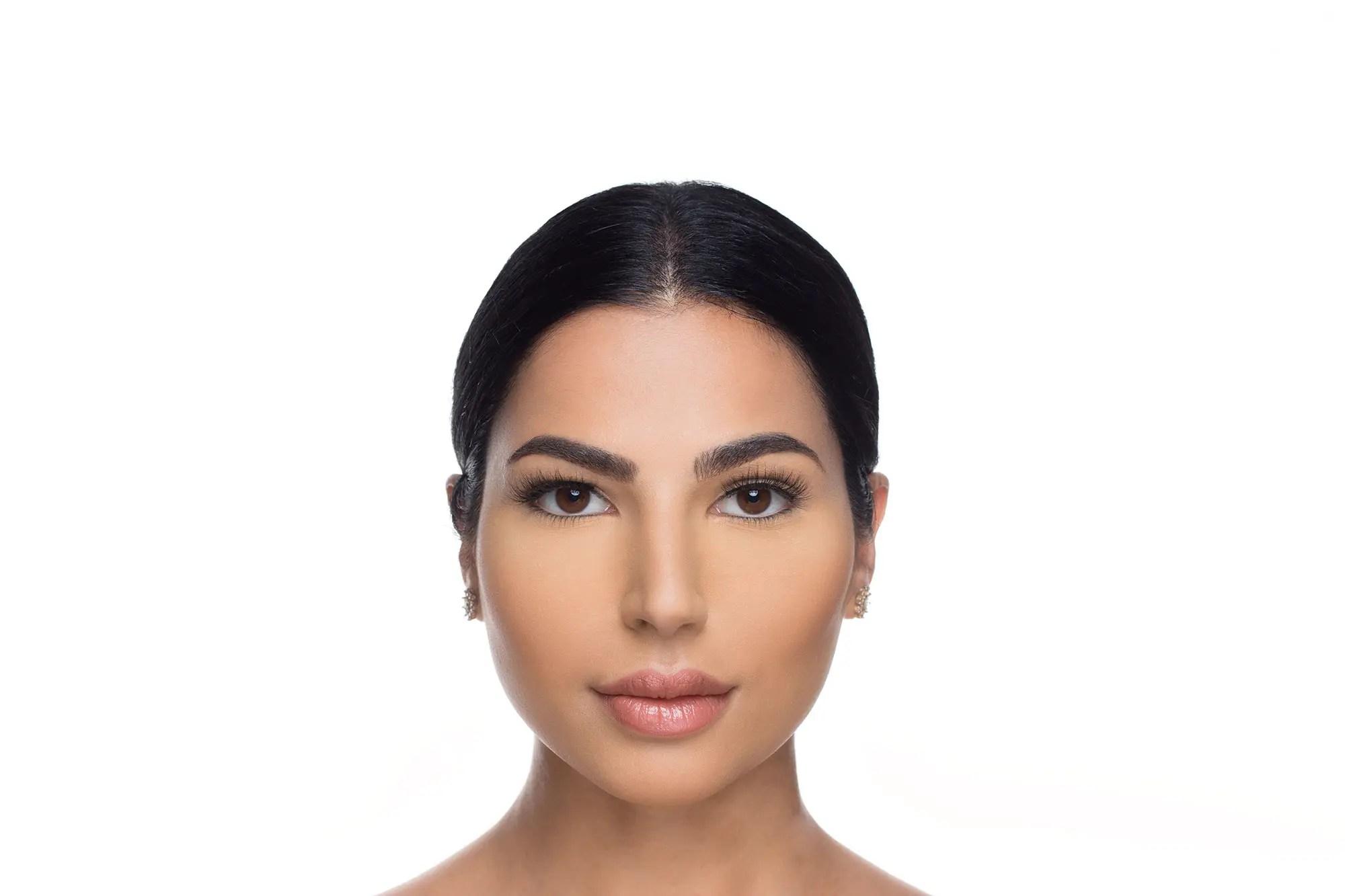 Ella Mink Lashes, close up of ladies face wearing false eyelashes
